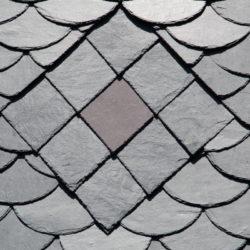 Schindeln werden gerne beim Mansarddach verwendet