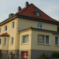 Haus mit Zeltdach